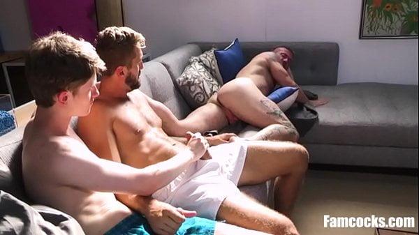 Foda gay brasil com suruba gostosa entre amigos pelados