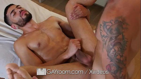 Pau grande massagista comendo o rabo do novo namorado