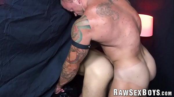 Gay velho sexo caseiro com vizinho magrinho