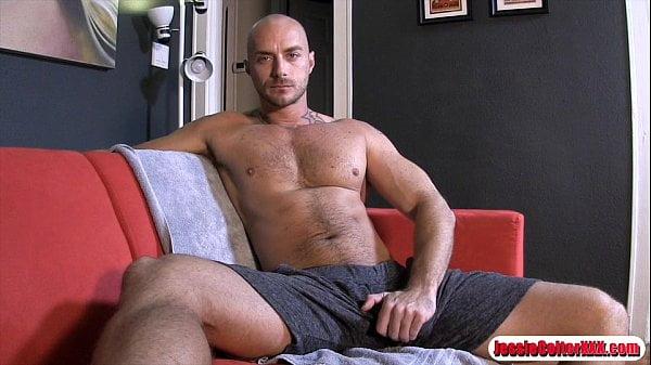 Sexo gay online com careca bem dotado comendo cu