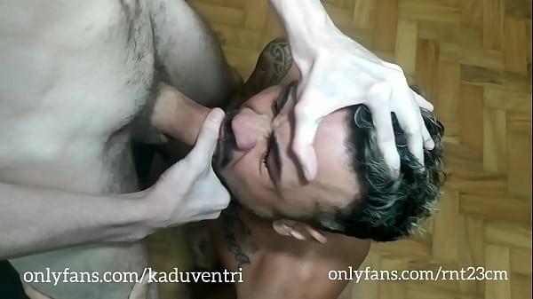 Gozada boa magro pauzudo comendo gay guloso