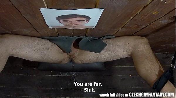 Puteiro gay muita pirocada no cu viado no gloryhole